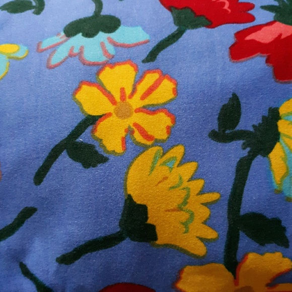 LuLaRoe Other - Multi color Flower design